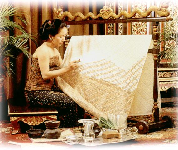 image copyright of http://houseofdanarhadi.files.wordpress.com/2008/09/pembatik1.jpg